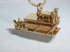 14k GOLD VINTAGE MOVEABLE PADDLE WHEEL SHOW BOAT PENDANT CHARM...