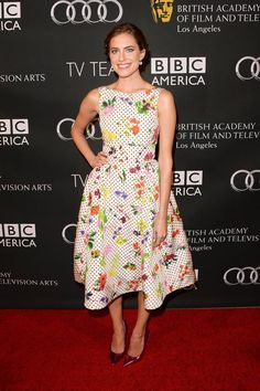 Allison Williams in Oscar de la Renta