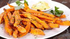 Sweet potato baked french fries with creamy mustard dip - the perfect gluten free and healthy appetizer for the holiday season! Low Carb Recipes, New Recipes, Vegetarian Recipes, Favorite Recipes, Healthy Recipes, Food Doctor, Clean Eating, Healthy Eating, Healthy Food