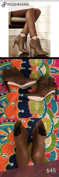 Johnston & Murphy Valerie Leather Booties Size 9 Worn less than 5 times Good condition Johnston & Murphy Shoes Ankle Boots & Booties