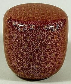 Decorative Boxes : Tea caddy (natsume), chrysanthemums, Japan, c. -Read More – - Japanese Screen, Japanese Art, Japanese Patterns, Decorative Objects, Decorative Boxes, Tea Caddy, Natsume, Japanese Tea Ceremony, Art Japonais