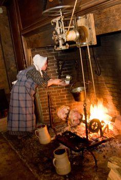Old Sturbridge Village Primitive Fireplace, Primitive Kitchen, Old Kitchen, Vintage Kitchen, Fireplace Tools, Sturbridge Village, Colonial Kitchen, Primitive Gatherings, Colonial America