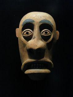 Máscara africana en el Museo del Hombre de París.