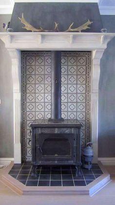 Wood burning stove surround tile ideas – Home Renovation Wood Stove Surround, Wood Stove Hearth, Wood Burner Fireplace, Tiled Fireplace, Fireplace Surrounds, Fireplace Design, Foyers, Corner Wood Stove, Pellet Stove