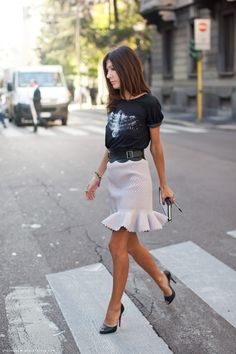 I can't get enough of this girlie skirt and edgy tee combination; a very cool and seemingly effortless look.   Saturday date night outfit inspiration... coming in hot!