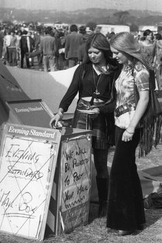 Vintage Festival Fashion - Vintage Photos of Festival Street Style - Elle