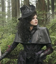 Lana Parrilla as the Evil Queen in Once Upon a Time Regina Mills, Once Upon A Time, Witch Costumes, Movie Costumes, Villain Costumes, Halloween Costumes, Party Costumes, Witch Hats, Halloween Makeup