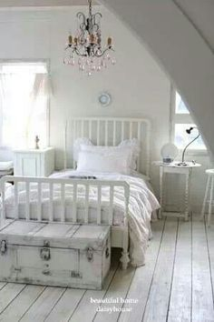 beautiful White shabby Chic Bedroom