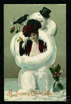 On a tendance à toujours imaginer l'époque victorienne ( 1837 – 1900 ) en Angleterre comme une période triste et renfermée mais les cartes de vœux que les gens s'envoyaient font la démonstration d'un humour qui va du plus noir à l'absurde et qui montrent que noël et les fêtes de fin d'années étaient avant …