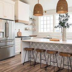 8 Glowing Simple Ideas: Kitchen Remodel House new kitchen remodel ideas.Farmhouse Kitchen Remodel To Get. Home Decor Kitchen, Interior Design Kitchen, New Kitchen, Kitchen Dining, Modern Interior, Awesome Kitchen, Kitchen Stools, Kitchen Cabinets, Boho Kitchen