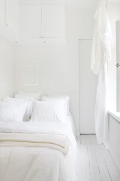 White and cream bedr
