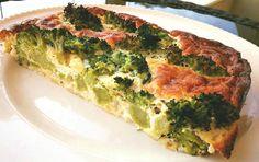 מתכון קל, מהיר וטעים לפשטידת ברוקולי בריאה עם גבינות רזות. לשומרי משקל ולא רק - ארוחת ערב נהדרת!