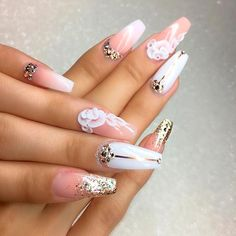 Ballerina shaped nails have become popular in no time. There are many things this style nails look perfect with. So we present to your attention 21 freshest trends related to the ballerina shape.
