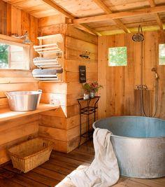 Que tal o charme de um banheiro do campo?