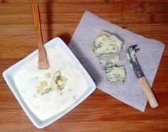 Eu amo queijos, de qualquer tipo, de qualquer origem, de qualquer cor, mas tenho uma queda especial pelo gorgonzola. Não sei explicar essa paixão, mas se me deixarem escolher, ele sempre será a primeira opção -- por isso, quase tudo é desculpa para... #cozinhandopara2 #cremedeleite #gorgonzola