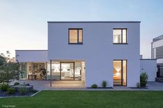 Smarter Holzmassivbau – Frankfurt: CUBE Magazin Source by - Architecture Bauhaus, Le Corbusier Architecture, Modern Residential Architecture, Architecture Plan, Future House, My House, Casas Country, Design Bauhaus, Home Building Design