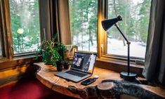 We're going to guide you by giving you a couple of tips on how you can create the ideal home office space that will motivate you to relax and focus. Home Office Space, Home Office Decor, Office Ideas, Office Furniture, Zen Office, Cozy Office, Office Suite, Garden Office, Home Decor
