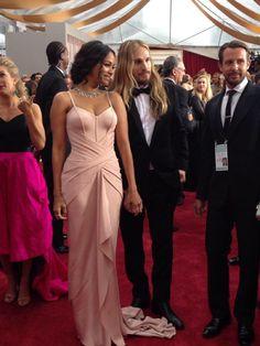 Zoe Saldana arrives at the Oscars