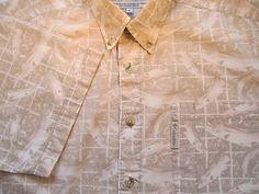 Columbia Mens Shirt L Large Tan White FISH Logo Short Sleeve Button Front EUC