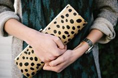 Cool clutch diy project! How about using faux fur instead!