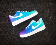 Nike air force/// I love these colors Jordan Shoes Girls, Girls Shoes, Shoes Women, Souliers Nike, Nike Shoes Air Force, Air Force Sneakers, Sneakers Nike, White Nike Shoes, Lit Shoes
