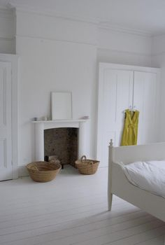 Film Location House-Detached Victorian House in Streatham – fantastic room avesome Alcove Wardrobe, Bedroom Alcove, Airy Bedroom, Bedroom Wardrobe, Bedroom Storage, Home Bedroom, Bedroom Furniture, Bedroom Decor, Master Bedroom