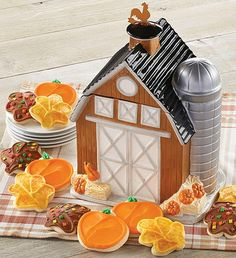 This classic homestead barn is hand painted on high quality ceramic and arrives with a delicious assortment of buttercream frosted pumpkin and leaf cut-out cookies. Leaf Cookies, Fall Cookies, Cut Out Cookies, Ceramic Cookie Jar, Cookie Jars, Gourmet Food Gifts, Gourmet Recipes, Fall Decorated Cookies, Food Gift Baskets