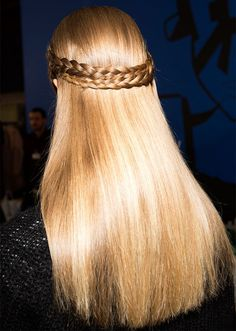 These are the best five-minute hairstyles for long hair. Short Hair Styles Easy, Short Hair Updo, Easy Hairstyles For Long Hair, Afro Hairstyles, Pretty Hairstyles, Straight Hairstyles, Natural Hair Styles, New Year Hairstyle, Black Hairstyles