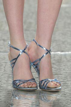 Sapatos para noivas de Luís Onofre 2014. #casamento #sapatosdenoiva #azul #sandálias #noivas #LuisOnofre #PortugalFashion