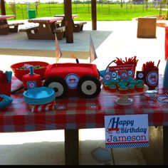 1 year old Radio Flyer birthday party :)