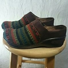 Born Clogs Mules Woven Wool Shoes Love Borns? These babies are Great! Size 10 clog mule type shoe with woven wool multicolor materiel and brown corduroy accent. Born is known for its comfort and quality. If these were my size I would not be getting rid of them. Only worn once. Born Shoes Mules & Clogs