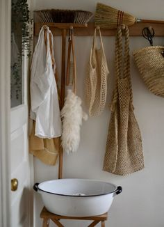 Eco-conscious Cleaning and Homecare | Zero waste, plastic-free cleaning routine from Homesong