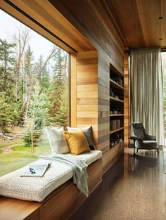 Striking home with walls of glass showcases views of the Teton Mountains – House Design Interior Architecture, Interior And Exterior, Interior Design, Modern Bedroom, Bedroom Decor, Bedroom Storage, Bedroom Romantic, Minimalist Bedroom, Contemporary Bedroom