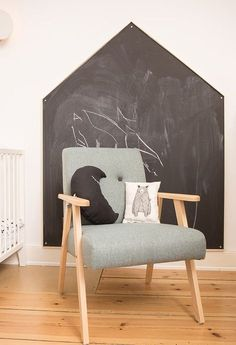 DIY-Anleitung: Tafelwand in Hausform für das Kinderzimmer bauen via DaWanda.com