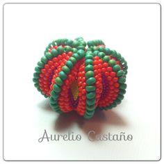 sea urchin bead by Aurelio Castano  http://www.aureliocastano.com