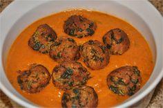 Palak Paneer Kofta - पालक पनीर कोफ्ता (Spinach - Cottage Cheese Dumplings in Onion Tomato Gravy) -http://mharorajasthanrecipes.blogspot.co.uk/