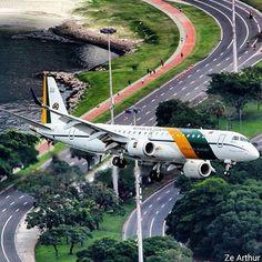 Short final Santos Dumont airport Rio de Janeiro - Brazilian air force Embraer E190 - by @ze_arthur_2015