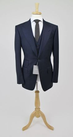 NWT Tom Ford Luxurious Classic Navy 3 Piece Suit Peak Lapels 48/38 R