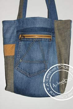 Tas gemaakt van een oude G-star jeans! Met 2 mooie rits-zakken! Made by A-leebel.nl
