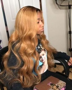 Blonde Weave, Curly Hair Styles, Natural Hair Styles, Natural Beauty, Honey Blonde Hair, Birthday Hair, Pelo Natural, Long Wavy Hair, Straight Hair