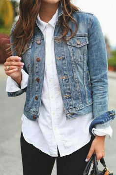 Casual Jeans, Casual Chic, Casual Outfits, How To Wear Denim Jacket, Dress Code Casual, Free People Clothing, Teaching Outfits, Casual Looks, Spring Outfits