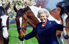 Her Majesty Queen Elizabeth II Golden Jubilee Queen Ii, Hm The Queen, Royal Queen, Her Majesty The Queen, Royal Animals, Young Queen Elizabeth, English Royal Family, Royal Life, Prince Phillip