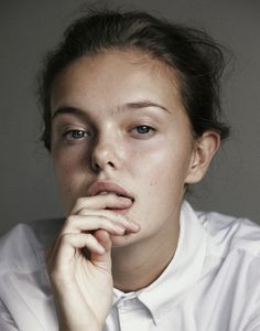 Face Off : I-D Capturing the first moments of their careers, Piczo shoots new faces, at home.