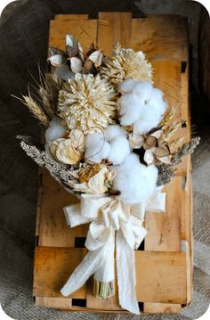 Winter Wedding Bouquet - Etsy:  TALLCOTTONnPEAS