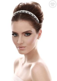 Really love this bridesmaid makeup Wedding Makeup Tips, Bride Makeup, Hair Makeup, Party Hairstyles, Wedding Hairstyles, Hair And Beauty Salon, Wedding Hair Inspiration, Bridesmaid Makeup, How To Make Hair