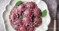 ravioli barbabietola ripieni di patate e salvia