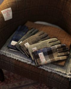 Harris Tweed Gloves. http://www.annabelchaffer.com/categories/Gentlemen/