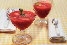 Aardbeien-gembersoep met munt