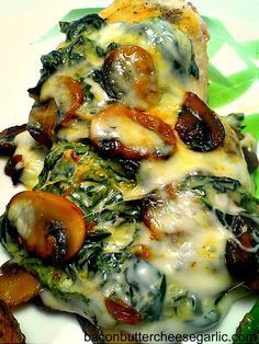 mushroom + spinach smothered chicken low carb!
