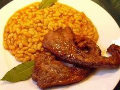 Gigot aux flageolets - La recette facile par Toqués 2 Cuisine Toque, Chana Masala, Risotto, Ethnic Recipes, Food, Tin Whistle, French Food, Dish, Meals